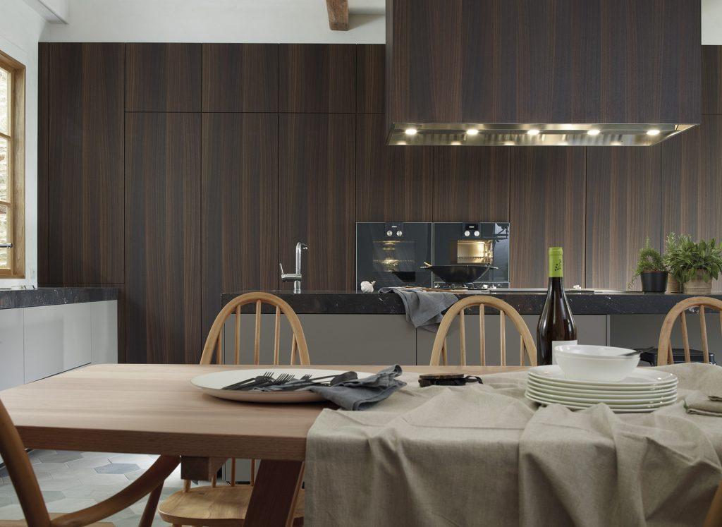 Cocina Santos con muebles columna