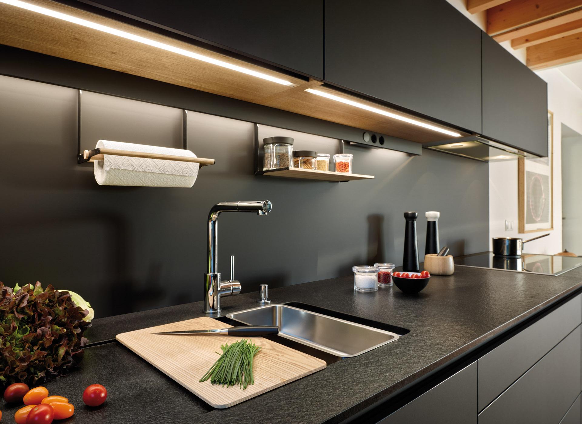Iluminación led en cocinas en paralelo Santos