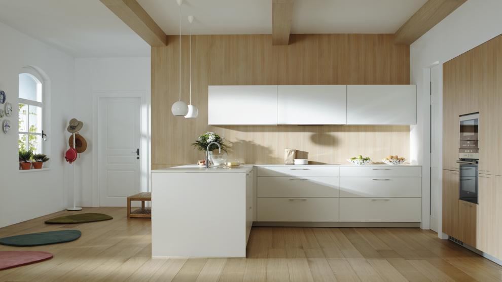 Cocinas blancas combinadas con madera: luminosos y acogedor | Santos