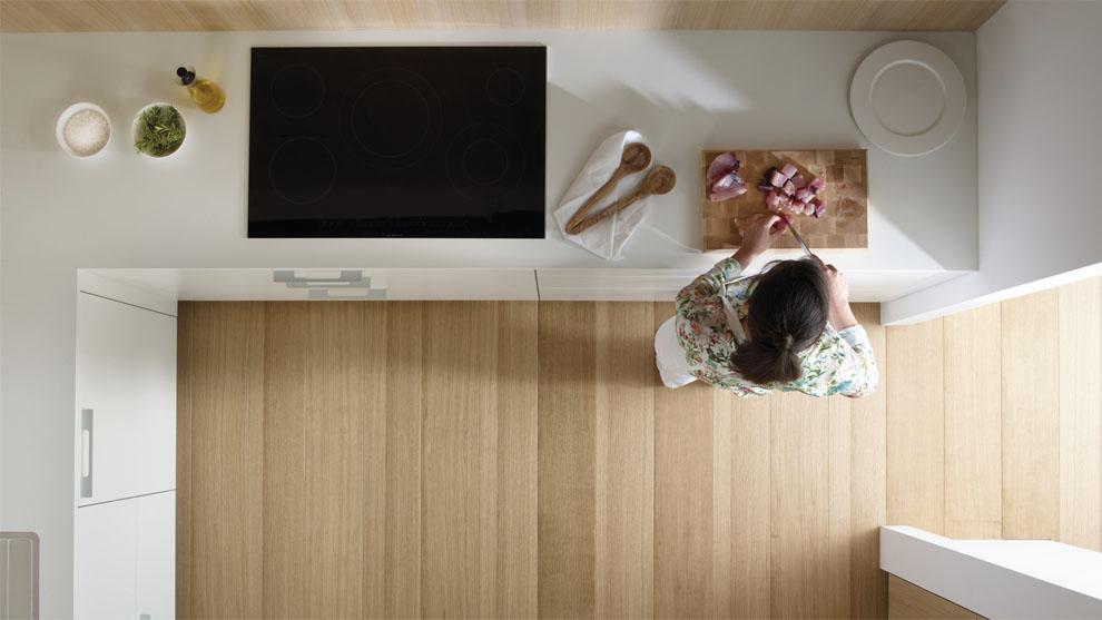 slide_santos-cocinas-ariane-2-estratificado-blanco-roble-funcionalidad