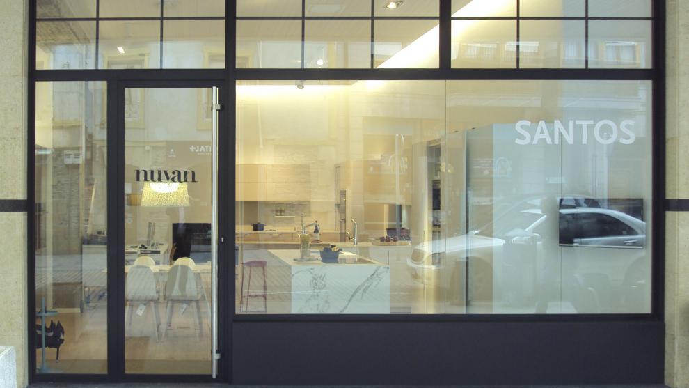 slide_santos-estudio-eibar-tienda-de-cocinas-apertura-2