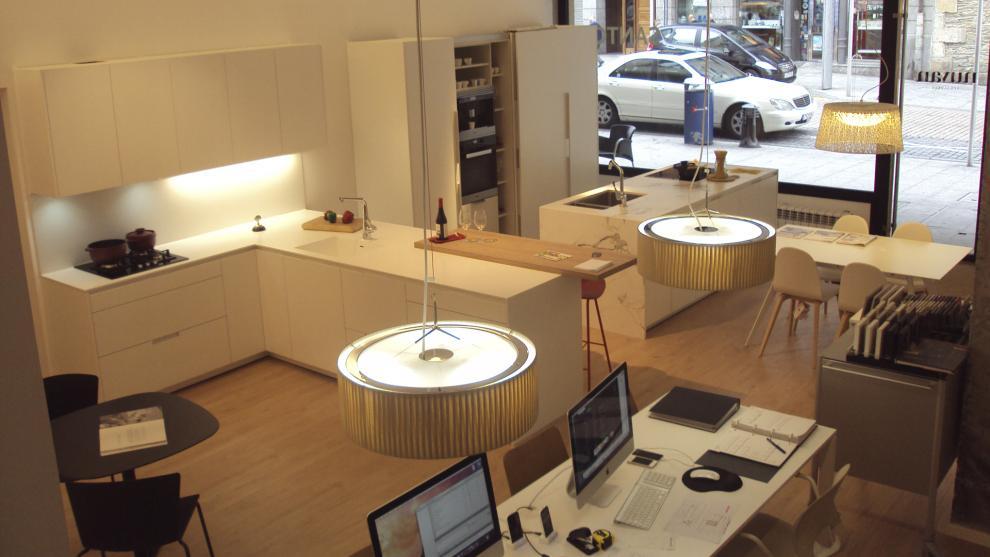 slide_santos-estudio-eibar-tienda-de-cocinas-apertura-4