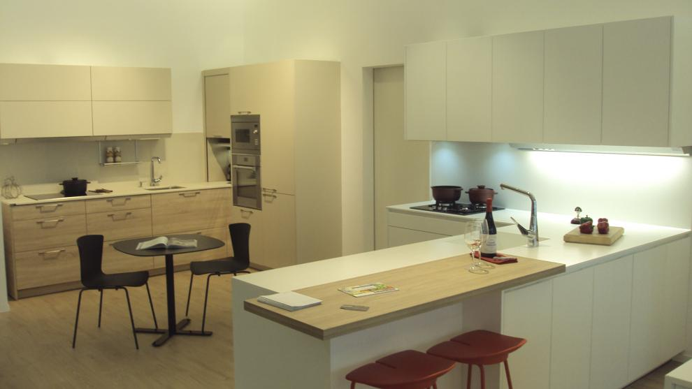 slide_santos-estudio-eibar-tienda-de-cocinas-apertura-6