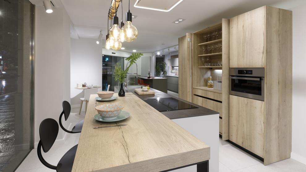 slide_tienda-cocinas-coruna-interiores-santos-apertura-2