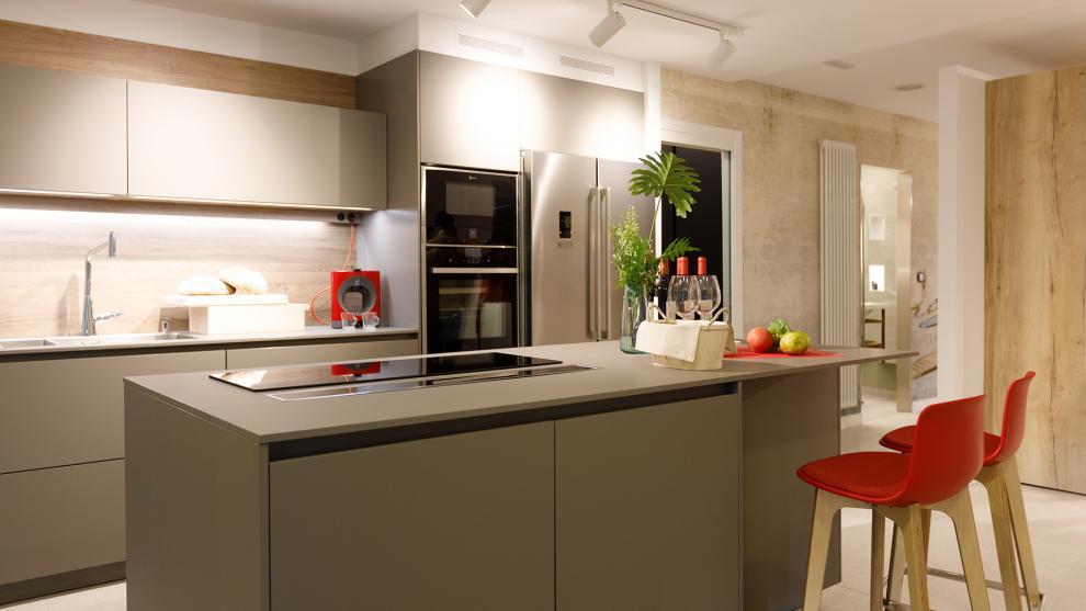 slide_tienda-cocinas-coruna-interiores-santos-apertura-3