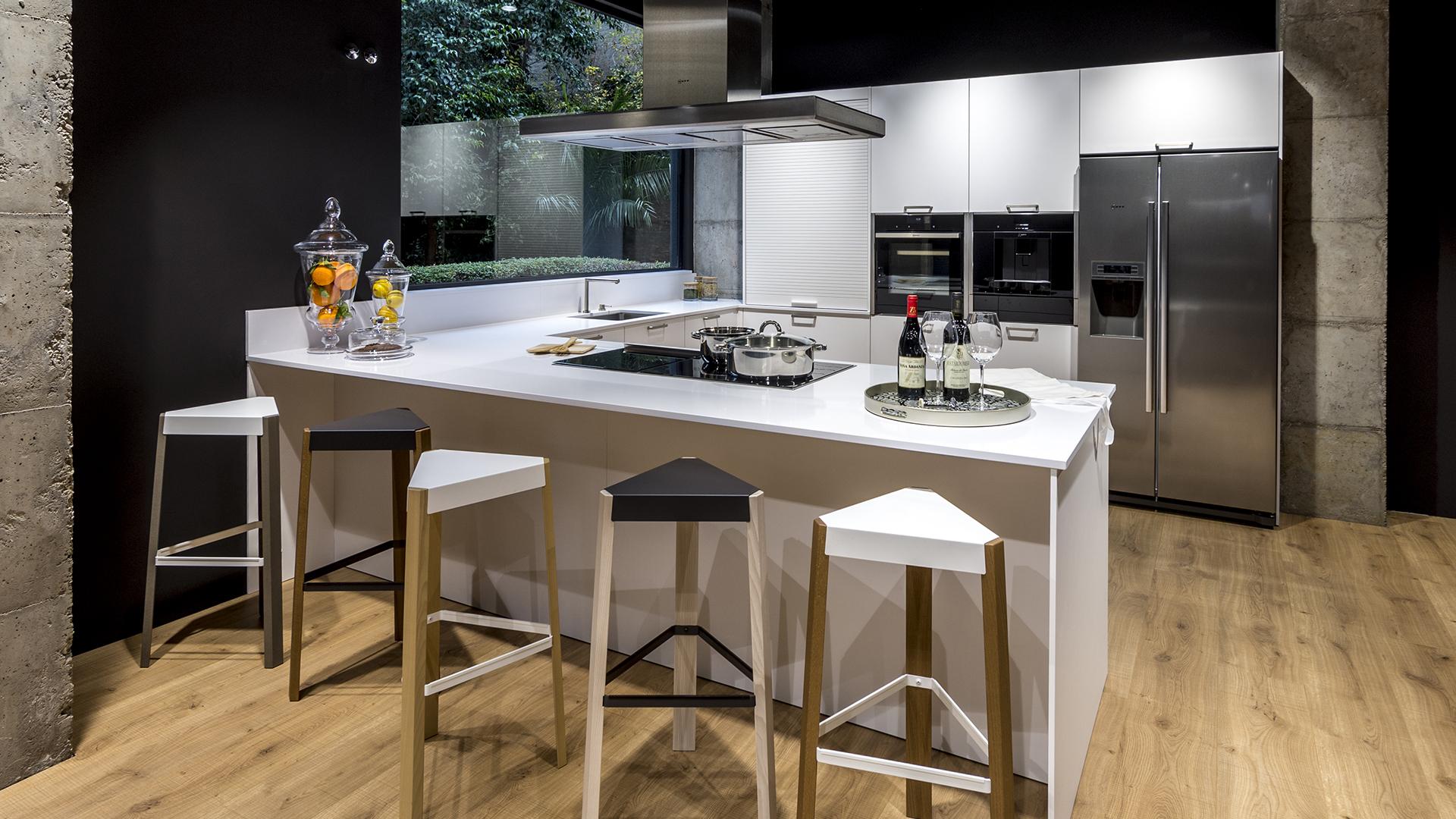 Santos Vaguada, nueva tienda exclusiva de cocinas Santos en ...