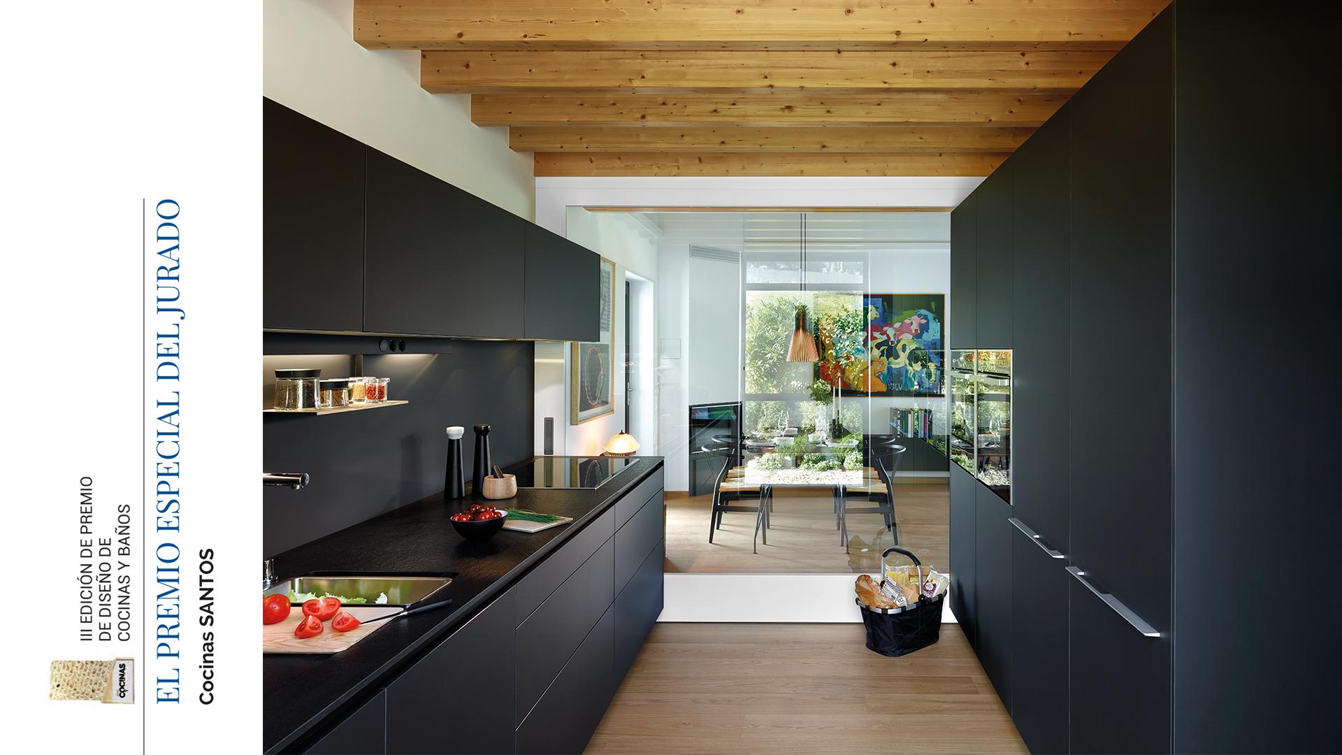 A marca de cozinhas Santos recebe um prémio pela sua trajetória e inovação