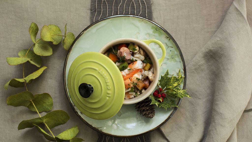 Receta de mini cocotte de salpicón de marisco en calendario 2018 de cocinas Santos