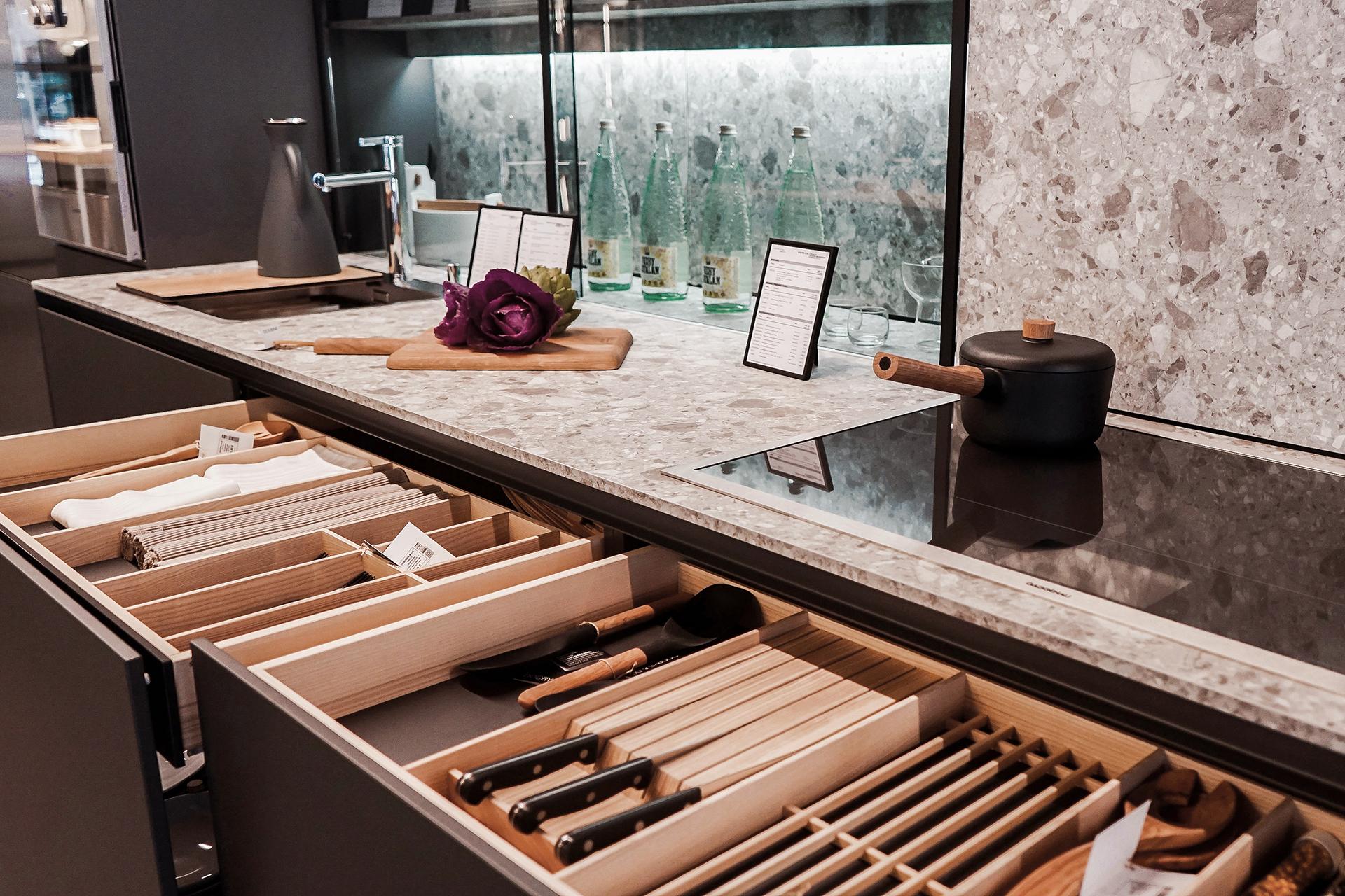A loja de cozinhas Santos Docrys & DC abre o seu quarto estúdio em Madrid