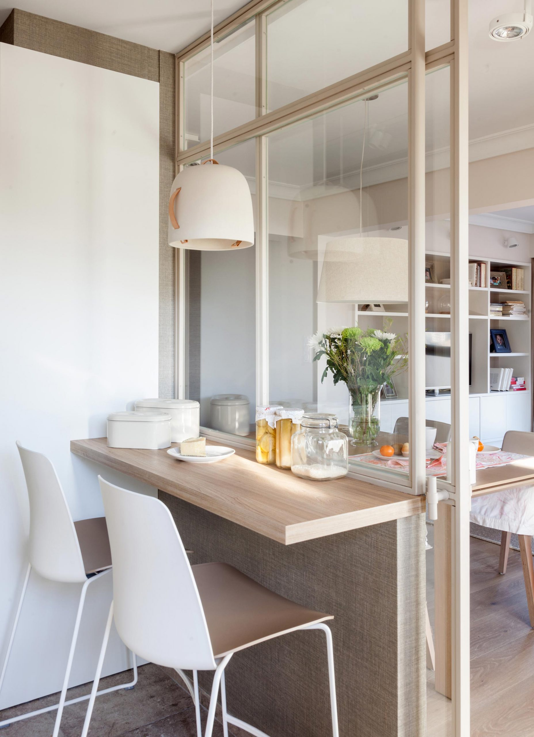 Santos kitchens in small rooms, by the designer Natalia Zubizarreta