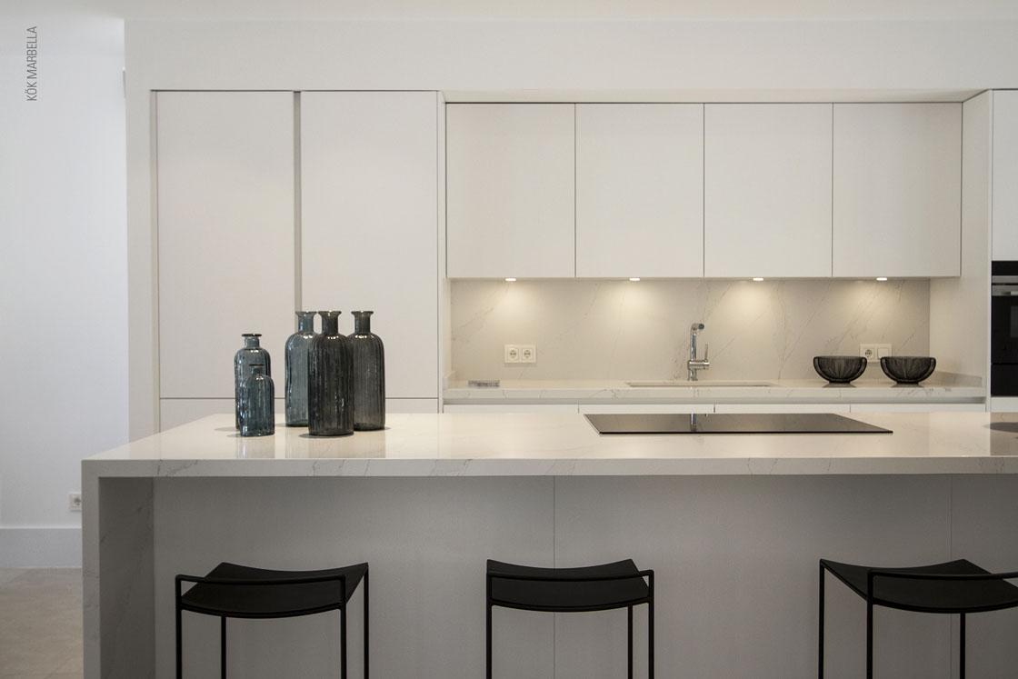 Des systèmes Santos pour éclairer la cuisine à l'intérieur et à l'extérieur