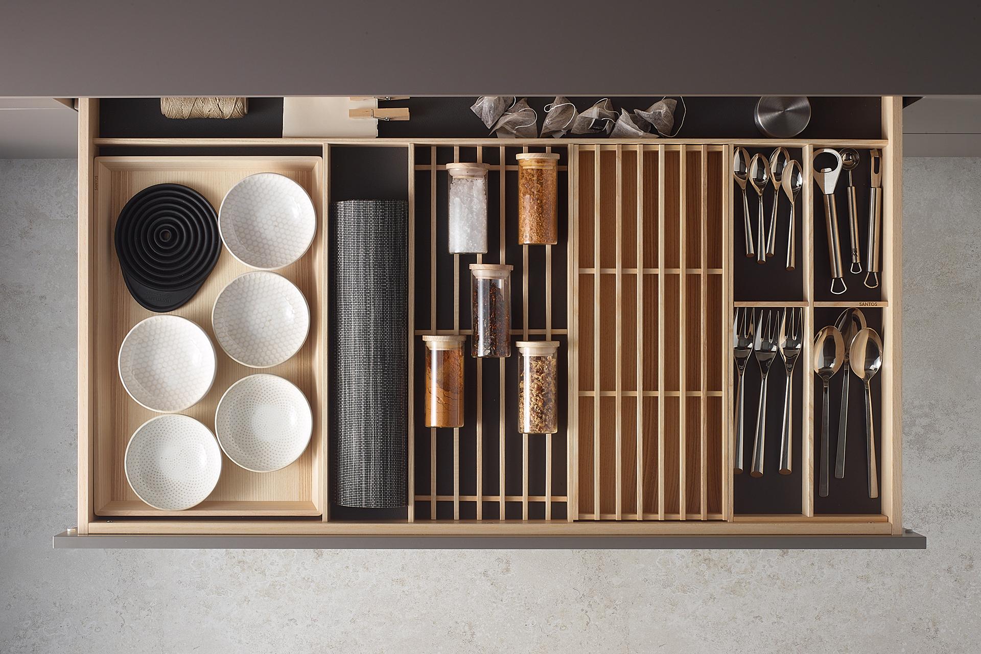 Accessories for Santos kitchen drawer: cutlery tray