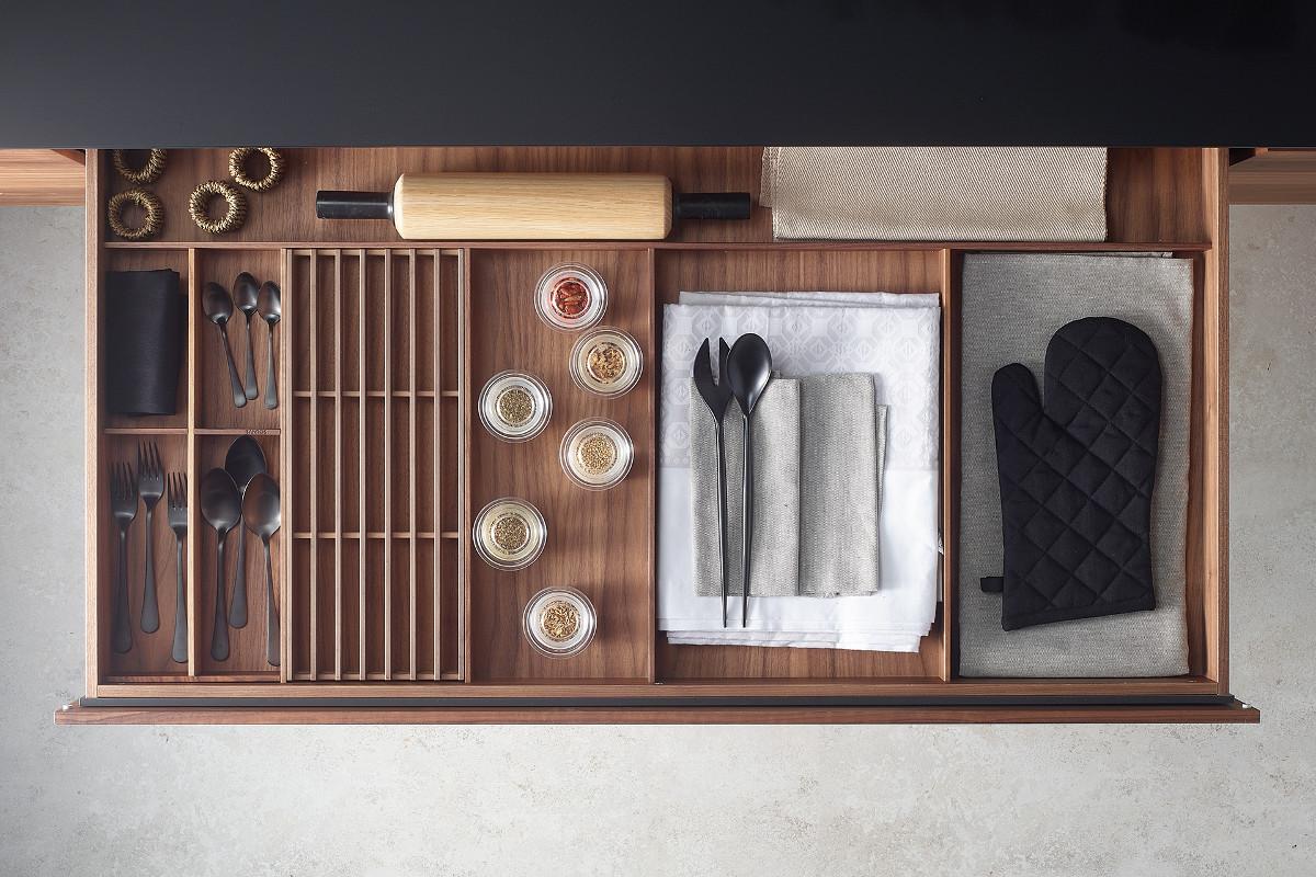 Acessórios extraíveis para gavetas de cozinha Santos