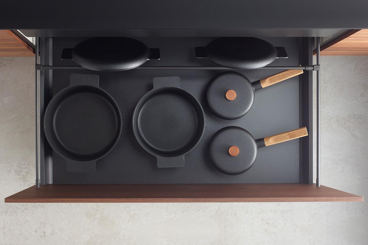 Black divider accessory for Santos kitchen drawers