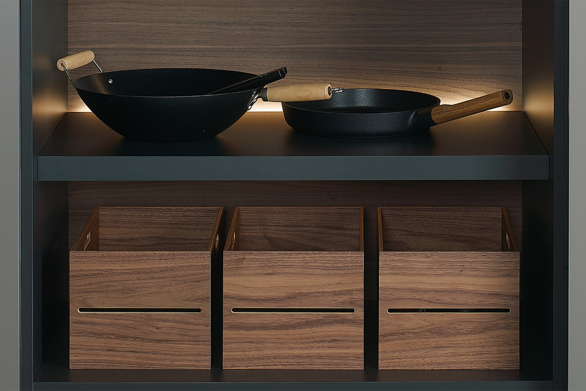 Wooden containers for tall units in Santos kitchens