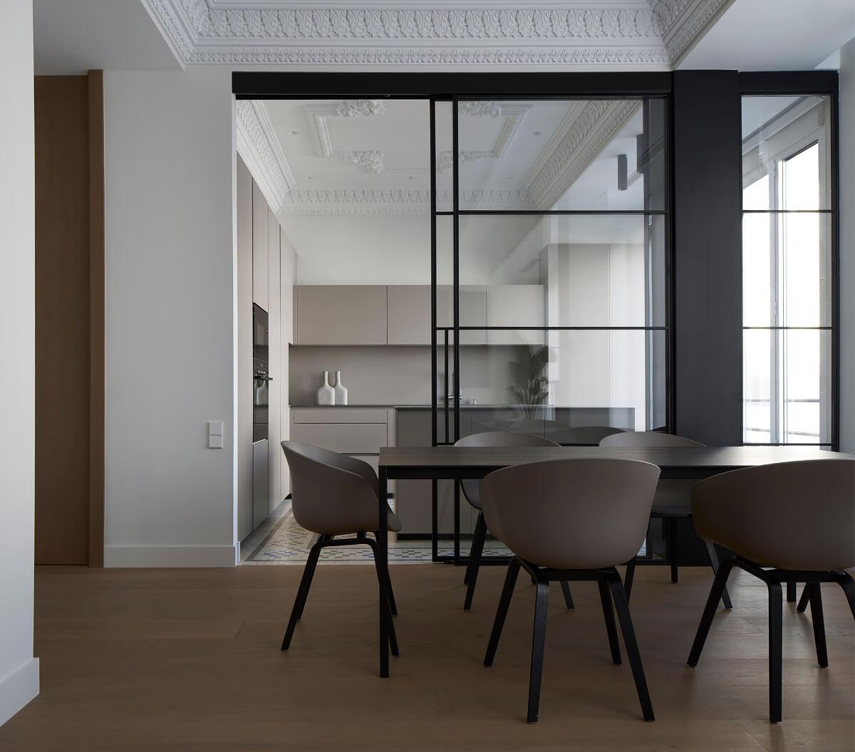 Apartamento com cozinha branca aberta para a sala de jantar Santos