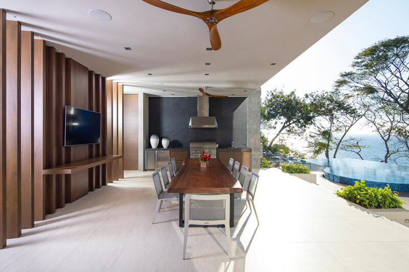 Santos keuken met eiland in een luxueuze vakantiewoning