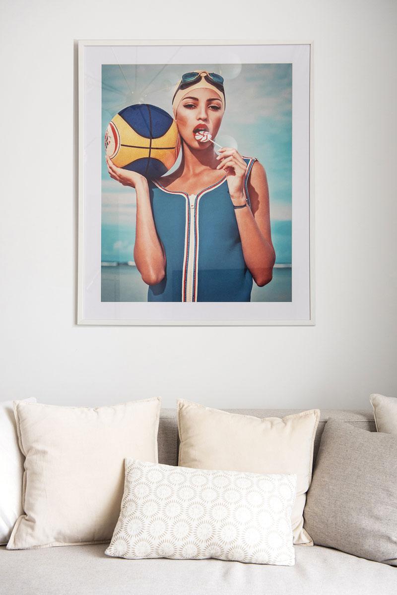 Decoração da sala de estar em apartamento de férias