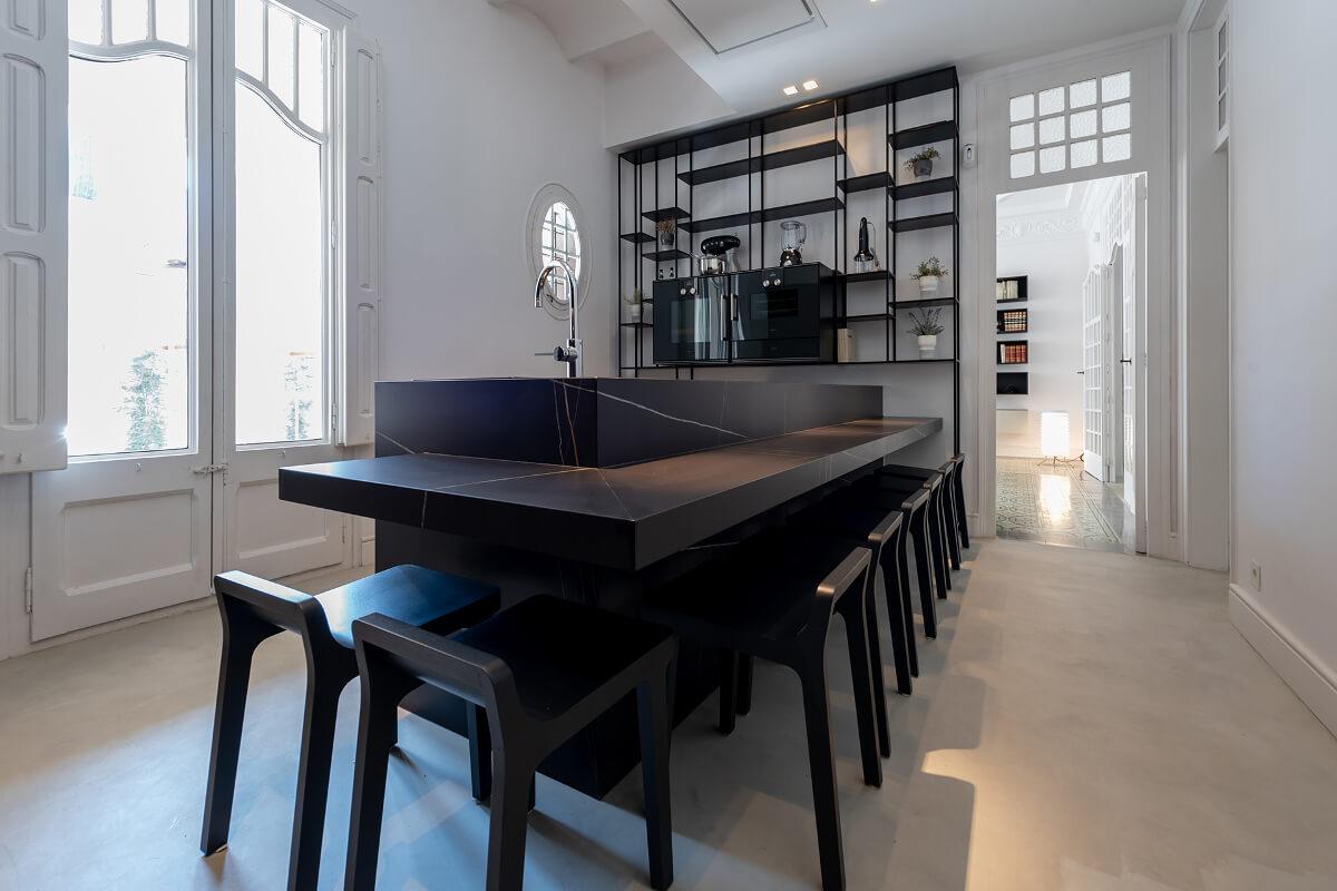 Clysa, de exclusieve keukenwinkel van Santos in Barcelona, versterkt zijn aanwezigheid op een nieuwe unieke en verrassende locatie