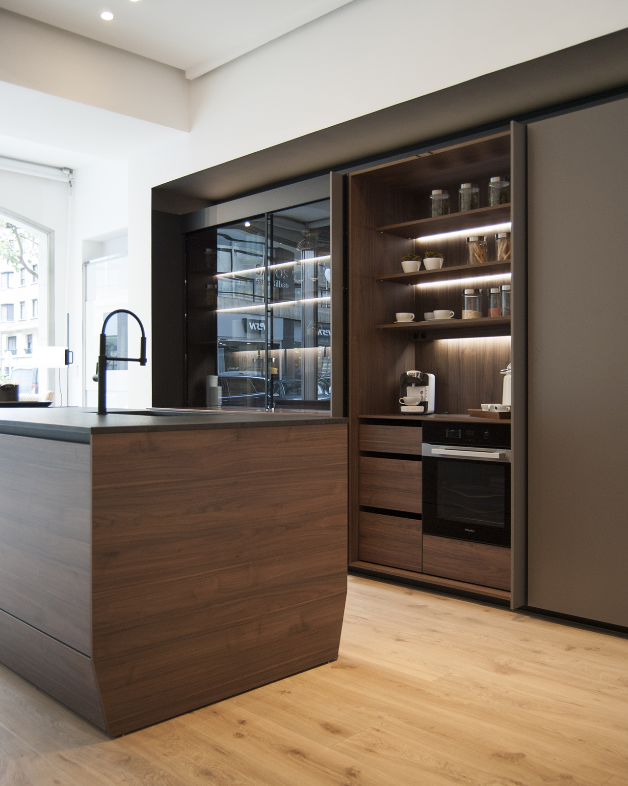Santos Estudio Bilbao launches new kitchen display