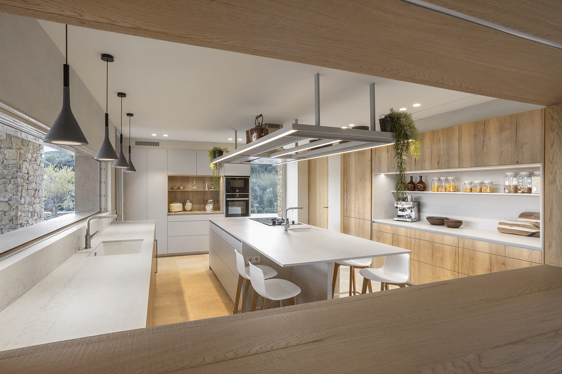 Santos kitchen with island and an oak finish in Cashmere