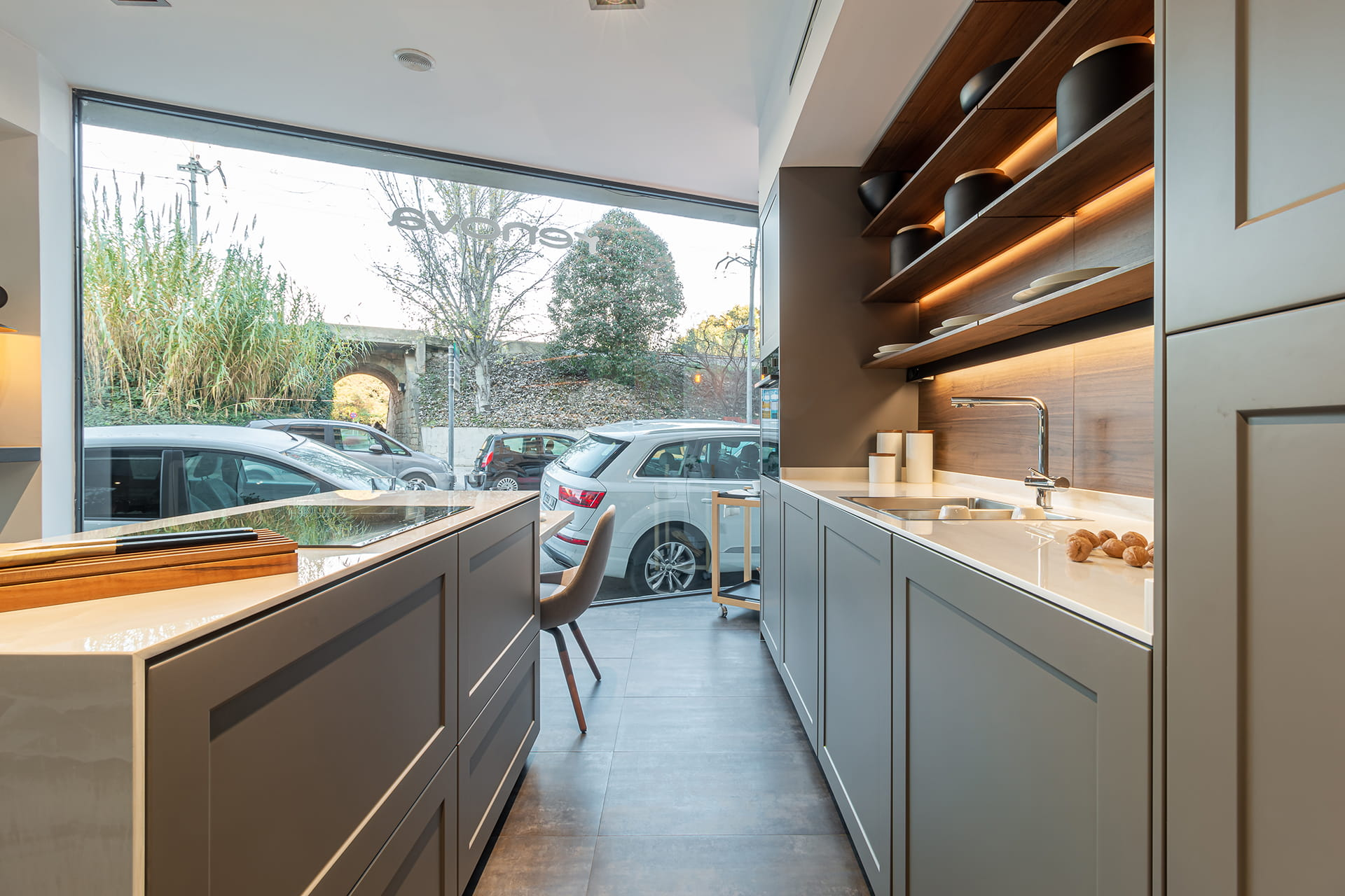 Santos keukens in showroom Renova Interiors