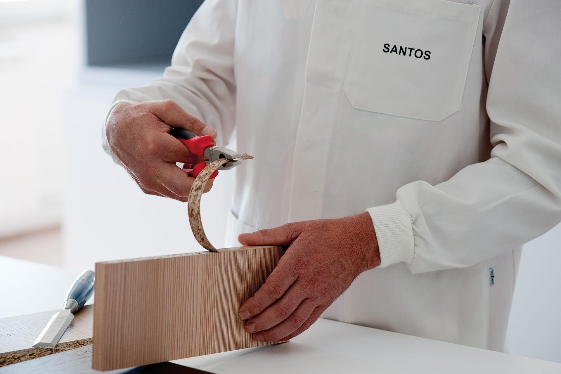 Control de calidad canteados de muebles de cocinas Santos