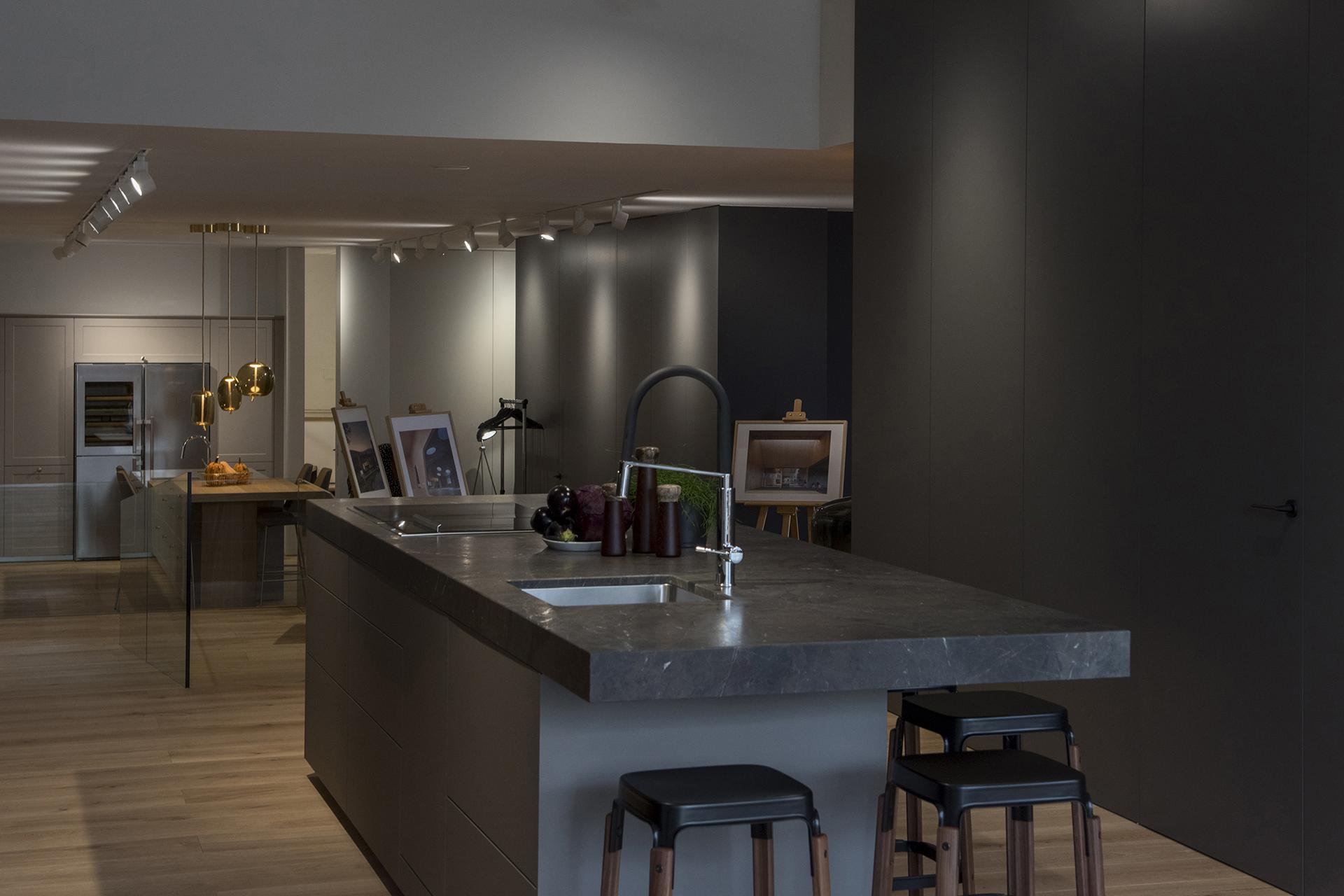 La tienda de cocinas Santos Santiago Interiores reabre sus ...